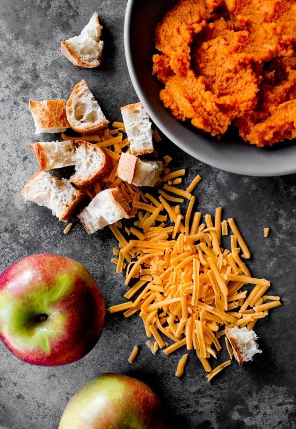 pumpkin_cheddar_stuffing_ingredients