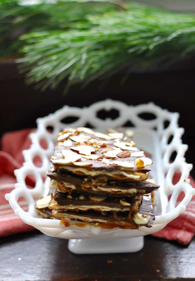 Almond Chile Christmas Crack Recipe