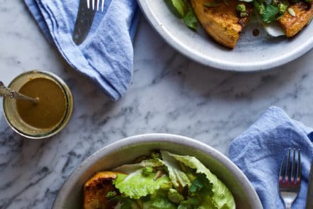 Chili-Lime Salmon Salad @holajalapeno
