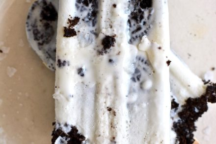 These salted cookies and cream paletas are a dreamy frozen dessert rich with cream cheese, whole Oreo cookies, and a touch of Maldon sea salt. Mexican galleta paletas made especially for #PaletaWeek! #paletasmexicanas #paletasrecipe #oreopaleta