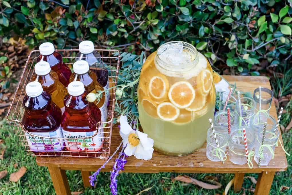 This ultimate summer entertaining guide is loaded with endless, easy ideas, menus, and tips that will have you partying from Memorial Day to Labor Day. #summerentertaining #drinkideas #drinkstation #summerideas #easyentertaining