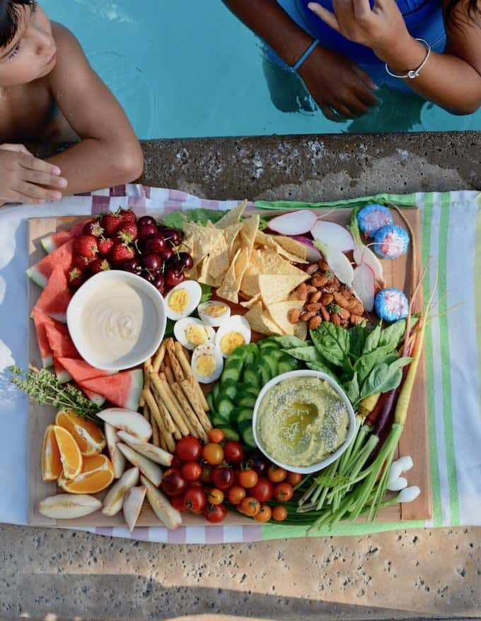 10 Recipes To Try this Labor Day weekend. Toast the last hurrah of summer with grilling recipes, easy Mexican dishes, a super delicious dip, and lots more! #10recipestotry #holajalapeno #dinnerideas #dinnerrecipes