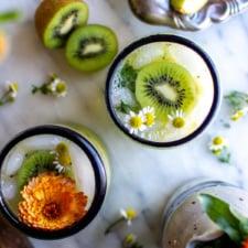Fresh Kiwi Caipirinha Recipe